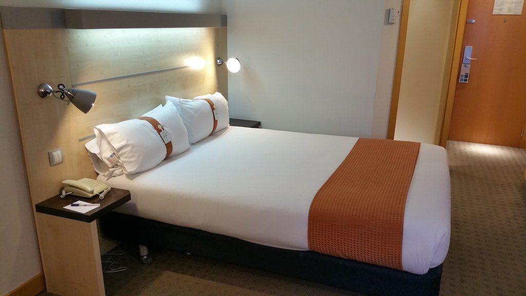 Molins de Rei, Spain - Holiday Inn Express Bed