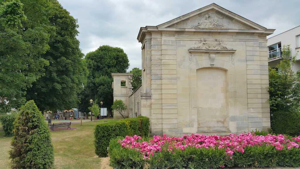 Roissy-en-France - Vestiges du château de Roissy