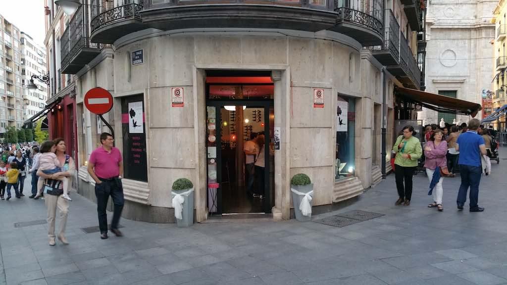 Valladolid, Spain - Señorita Malauva