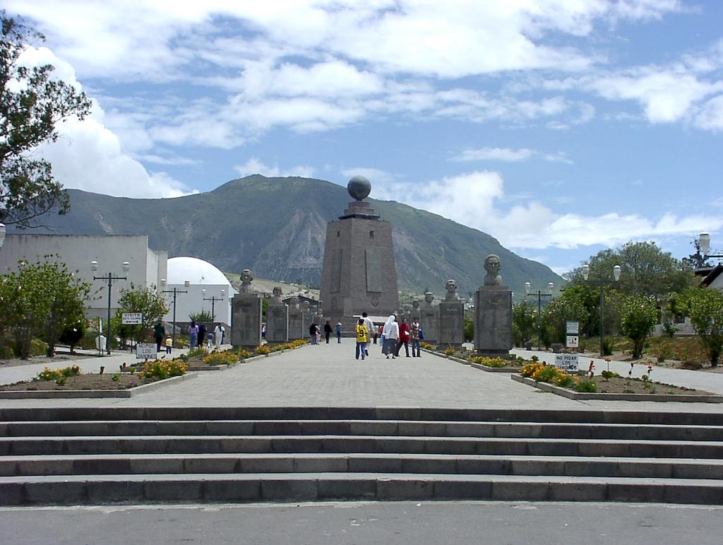 Quito Ecuador-La Mitad del Mundo