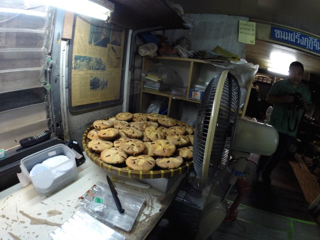Thon Buri, Bangkok, Thailand - Thanu singha House Bakery - Khanom Farang Kudeejeen