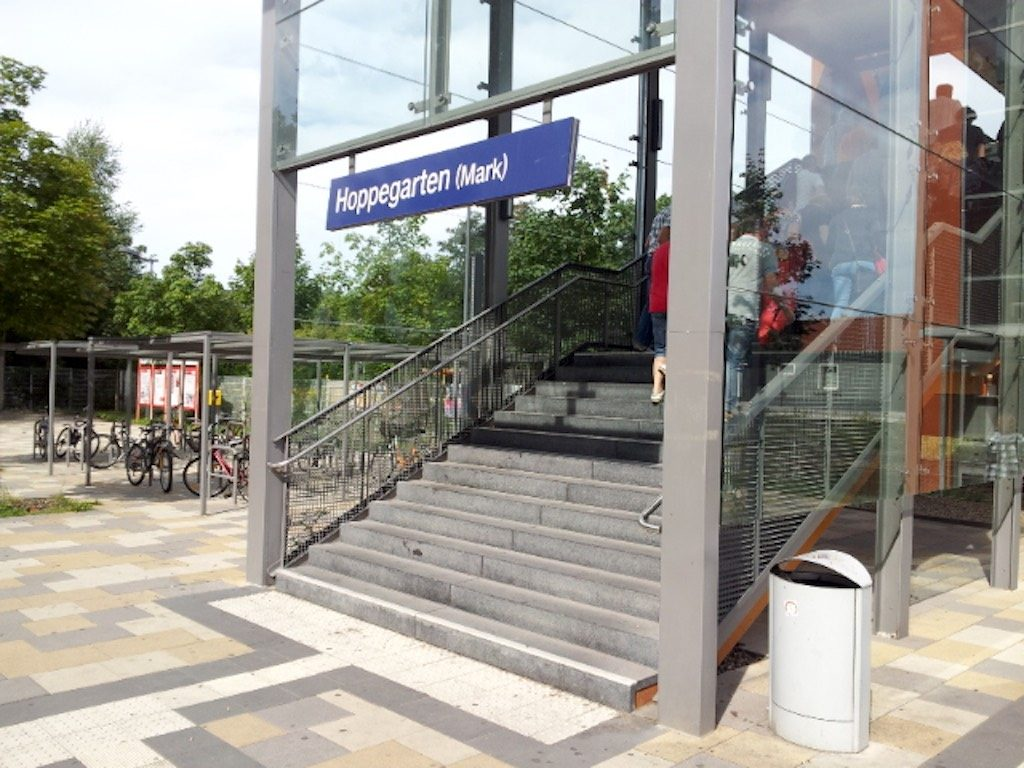 Fahrradhof, Atlandsberg, Berlin Germany - HoopeGarten (Mark) Train station